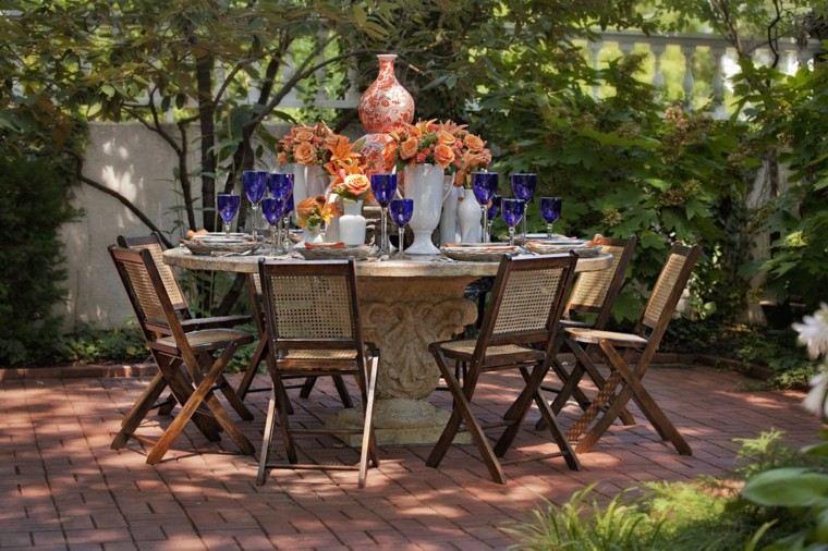 copas mesa madera exterior flores