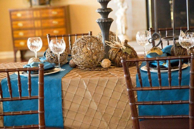 creativo decoración mesa madera esferas