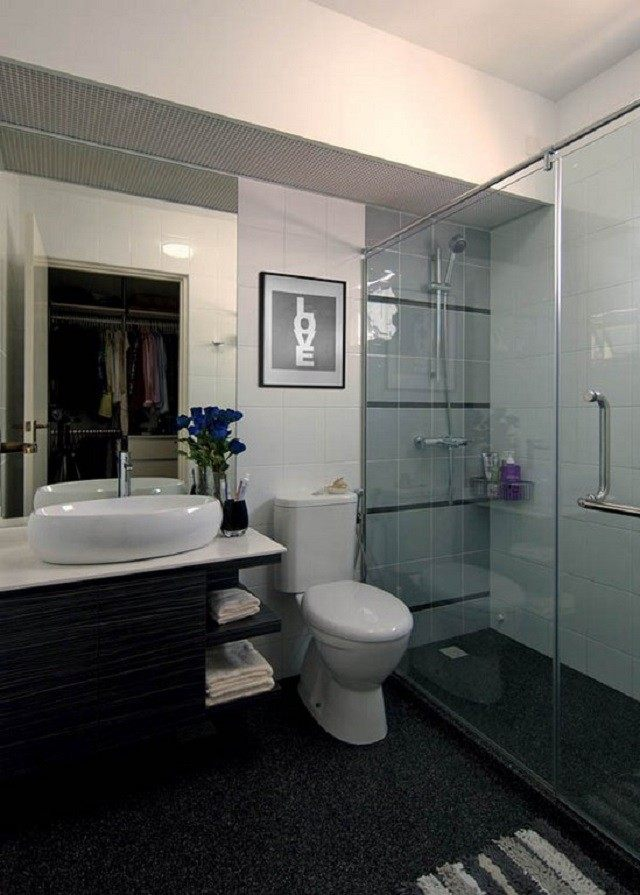 cuadro alfombra lavabo flores cabina ducha