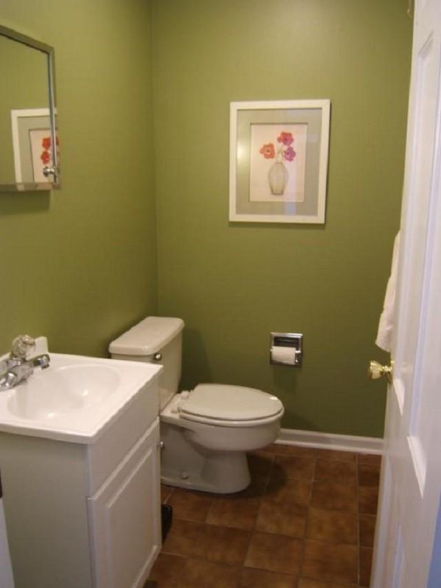cuartos de baño pequeño cuadro flores espejo