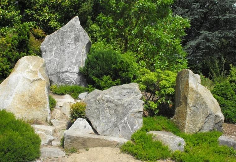 decoracion de jardin con piedras grandes