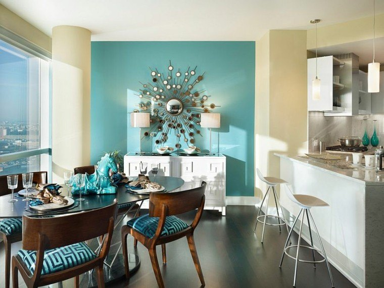 Decoración de interiores y color   azul en comedores.