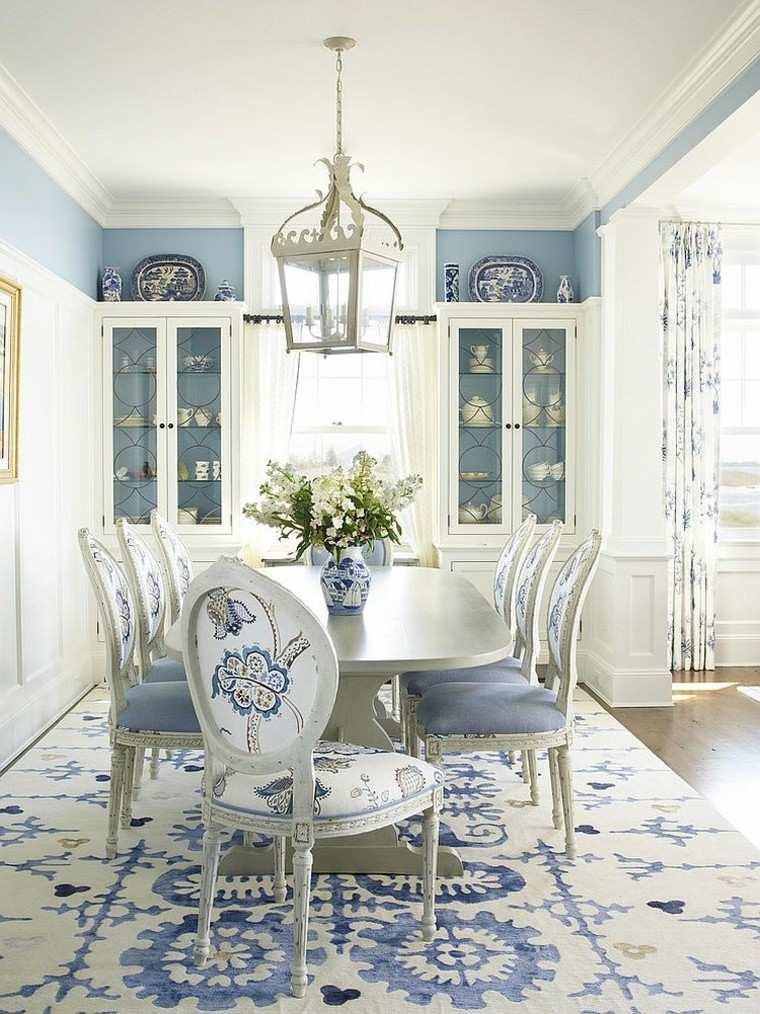 decoración de interiores y color tono azul clasico iluminacion