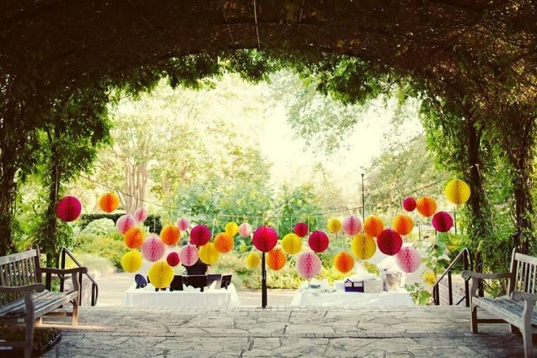 Decoraci n de terrazas para fiestas diversi n garantizada for Terrazas decoradas con plantas