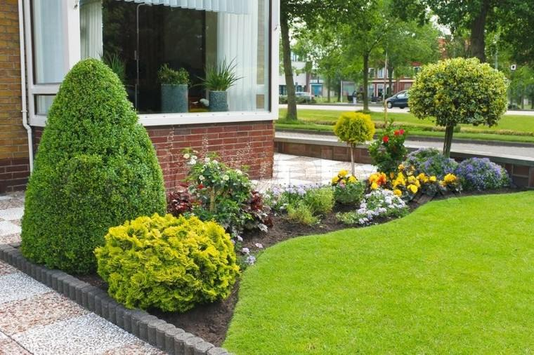 Jardines peque os y patios traseros de dise o nico - Iluminacion jardines pequenos ...