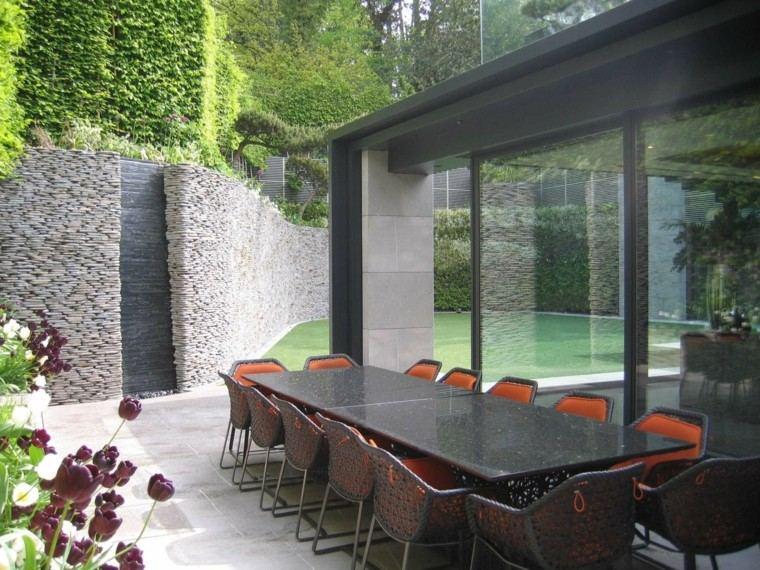 diseno de jardines modernos Andrew Wenham caida agua pared ideas