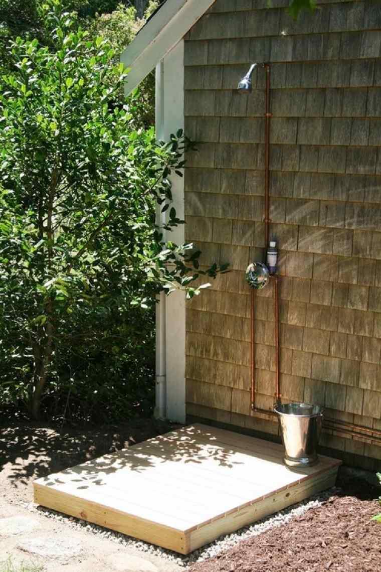 Ducha en jardin un placer m s al alcance de tu mano for Duchas para piscinas exterior