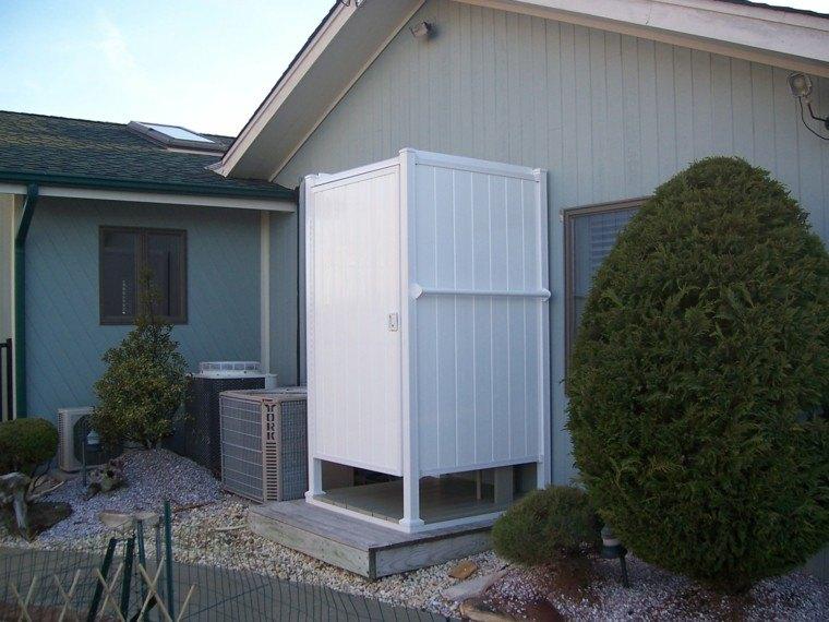 Duchas exteriores para piscinas top suelo vinlico en for Ducha exterior piscina