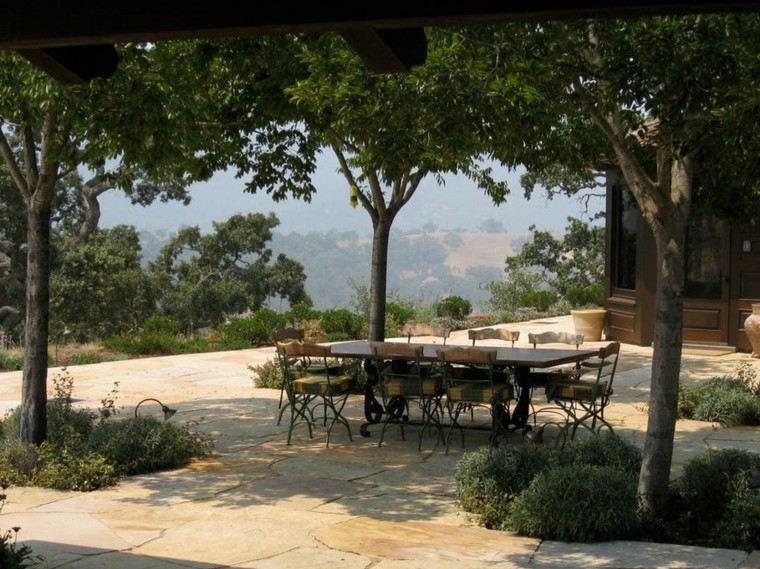 el retiro bajo sombra arboles aire libre relax
