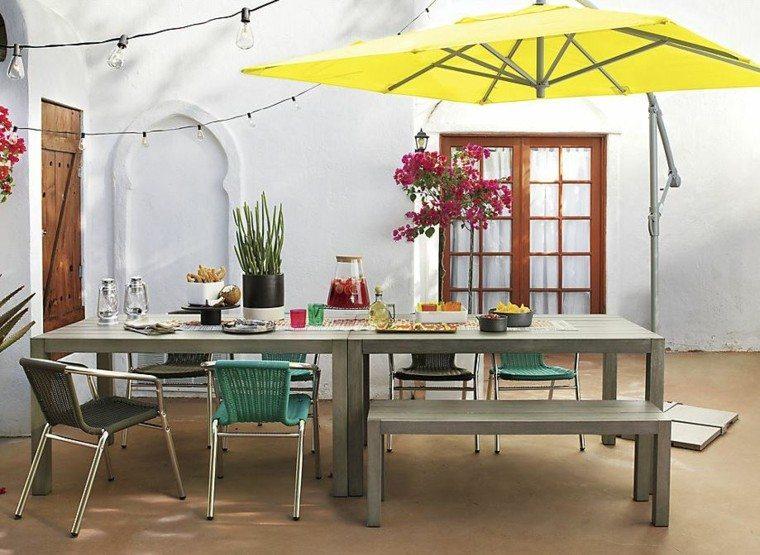 el retiro bajo sombrillas amarilla mesa grande moderna
