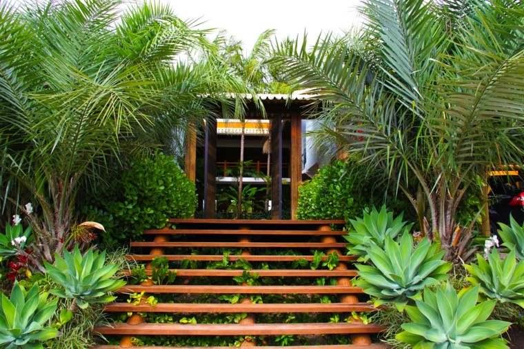escaleras madera bajar jardin plantas verde ideas