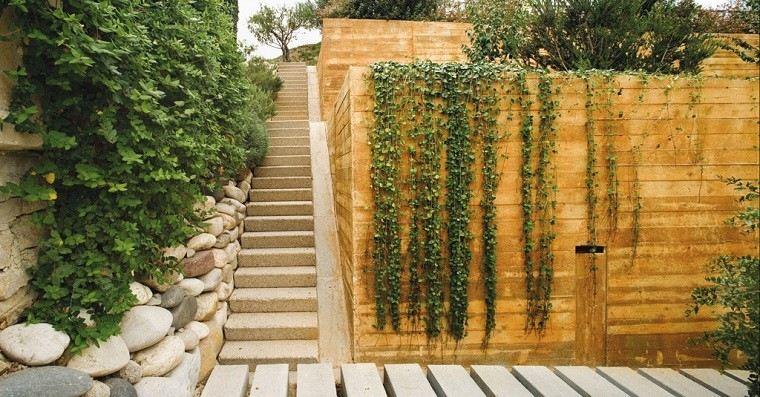 escaleras diseño pared piedras jardin