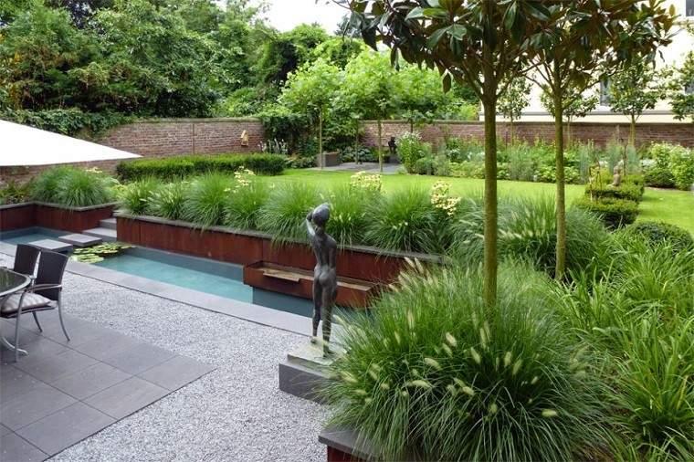 decoracion jardin escultura plantas
