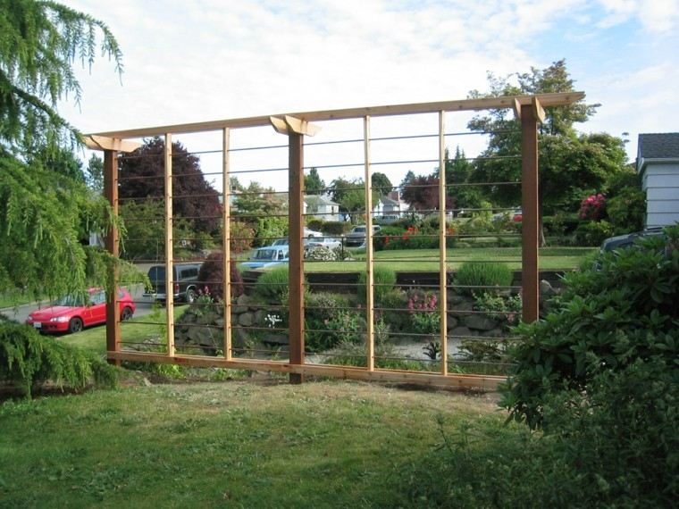 Estilo en el jard n con enrejados para plantas trepadoras - Arcos de madera para jardin ...