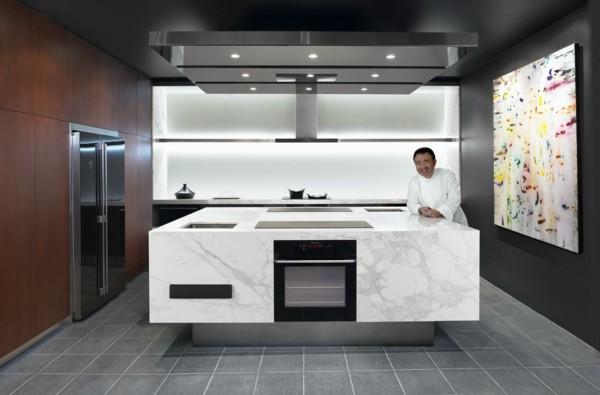 estupenda cocina con isla mármol
