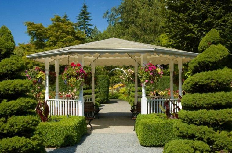 Estupenda caseta pergolas jardin