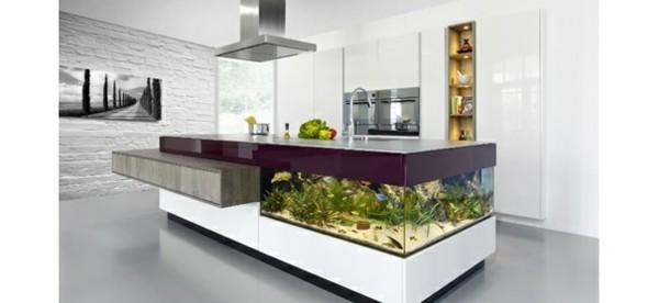 estupenda isla cocina acuario pecera