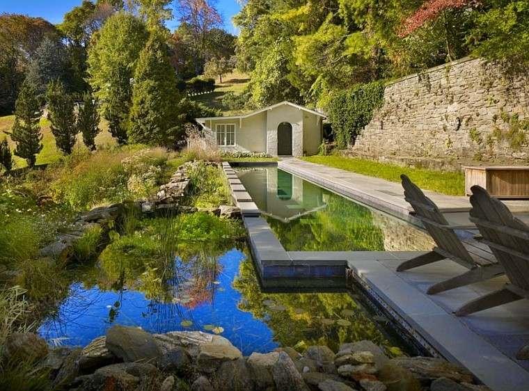 estupenda piscina bio casa muro