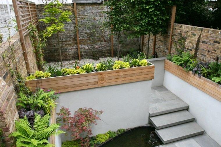 estupenda terraza nivelada plantas escaleras