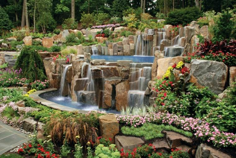 estupendas cataratas rocas jardin agua