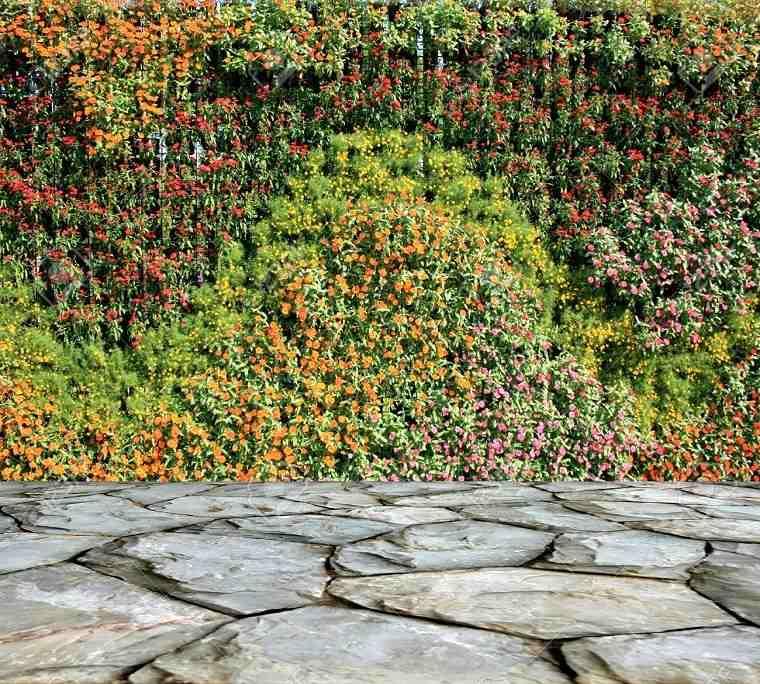 estupendo jardín vertical valla flores