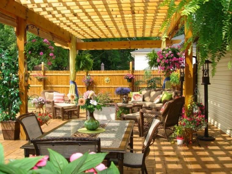 Pergolas jardin de madera una zona de recreo ideal - Terrazas con pergolas ...