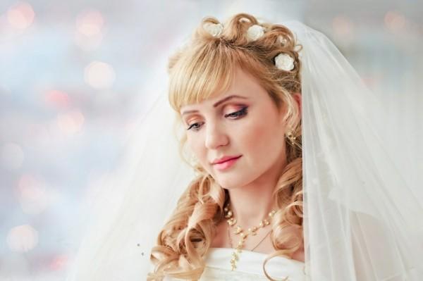 flequillo novia cara santa bucles