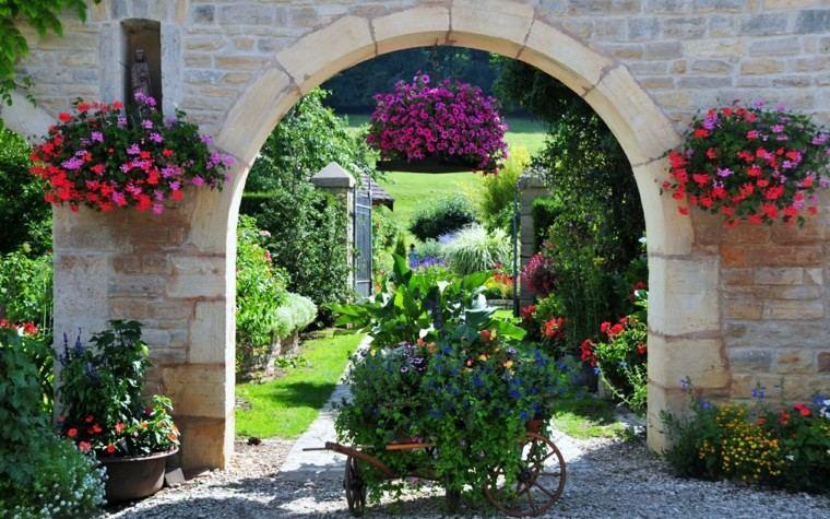 flores bonitas jardin amplio cesta interesante colgantes