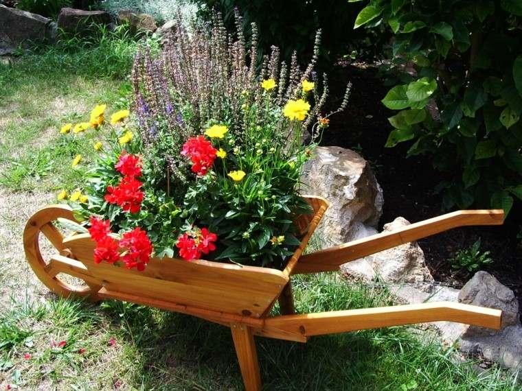 flores bonitas maceta carro madera jardin ideas