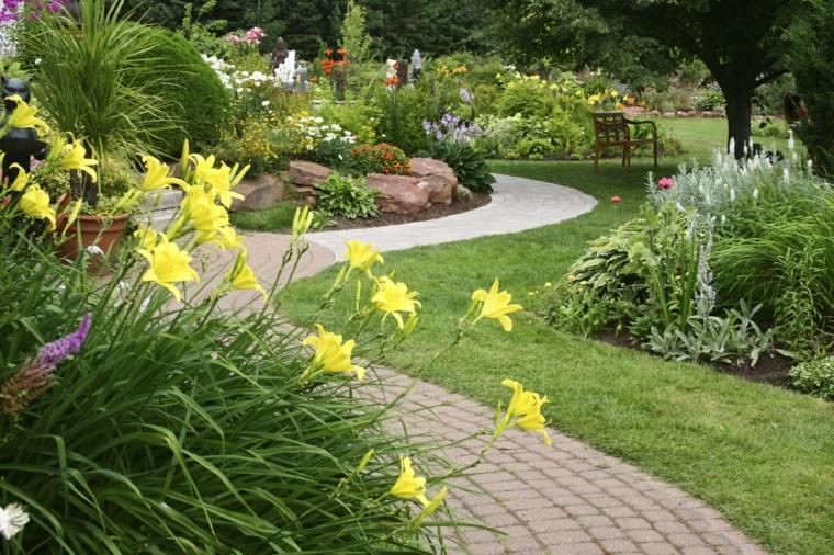 flores sendero decoracion macetas amarillas
