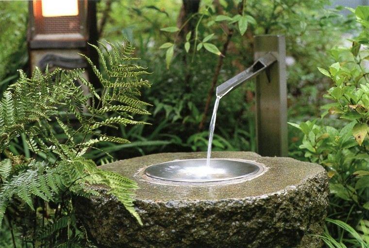 fuente piedra estilo oriental zen