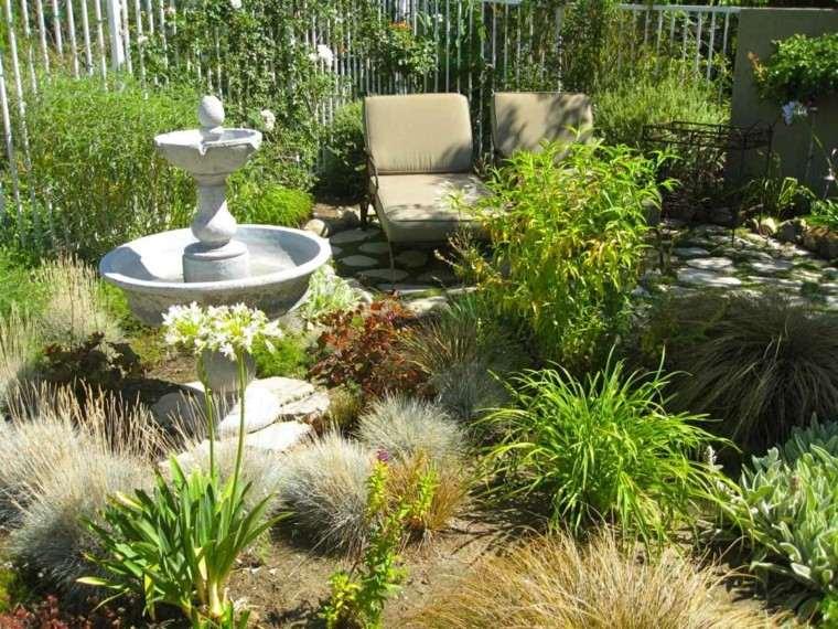 fuente piedra clásica tumbonas plantas
