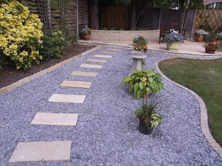 Senderos jardines m s de 70 ideas pr cticas para el hogar for Tipos de cesped natural para jardin