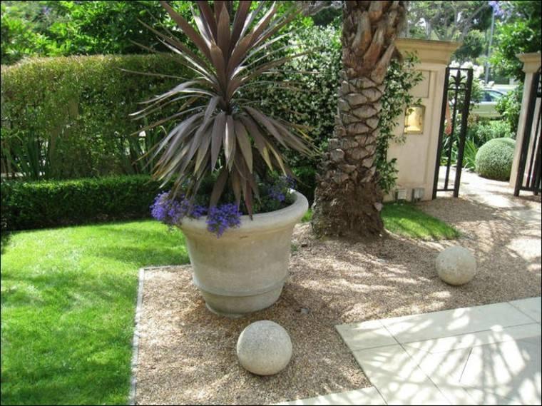 guijarros grava maceta palmera bolas