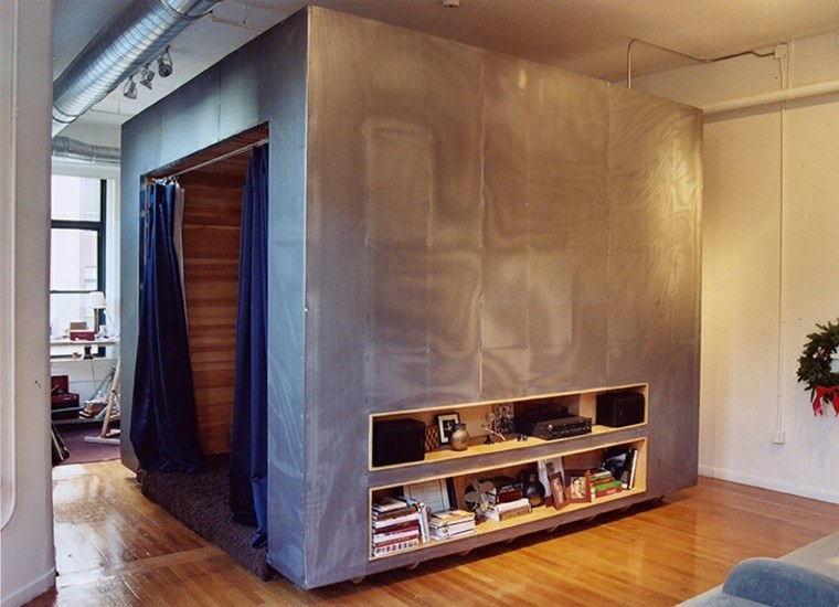 habitacio pared tela pequena cortinas azul ideas