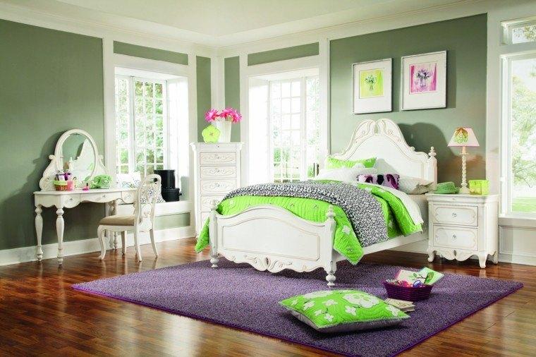 habitacion color verde alfombra violeta
