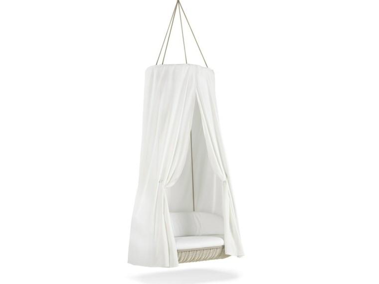 Ideas creativas y mobiliario   13 sillas colgantes para jardín.