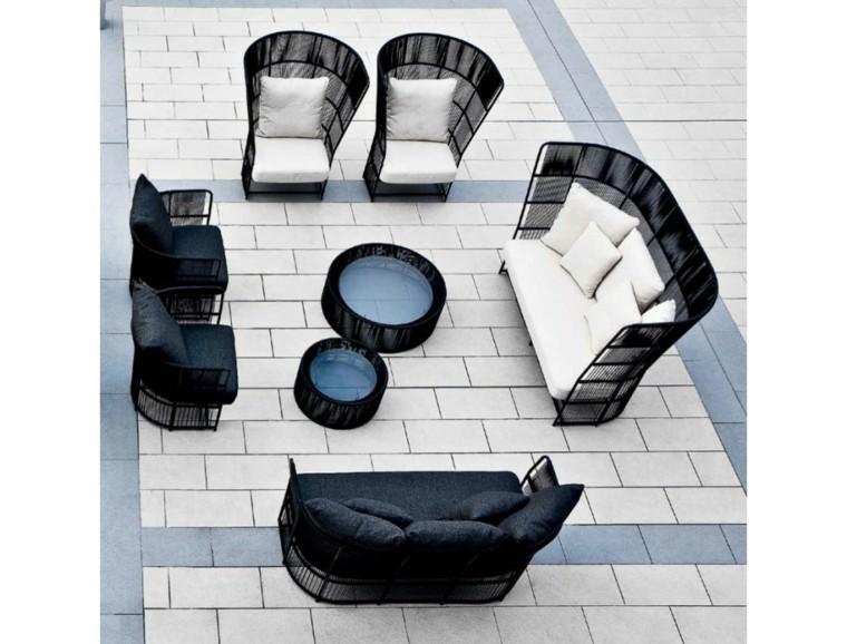 ideas originales diseño jardin moderno negro silla mesa sofa