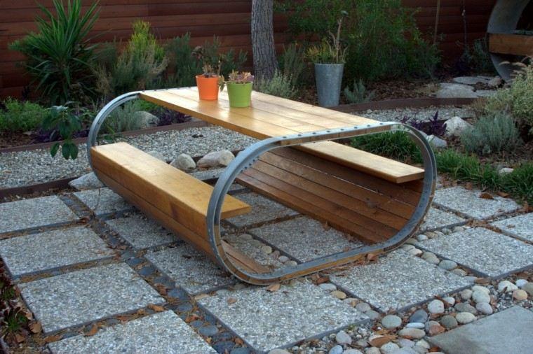 ideas originales muebles patio mesa bancos madera