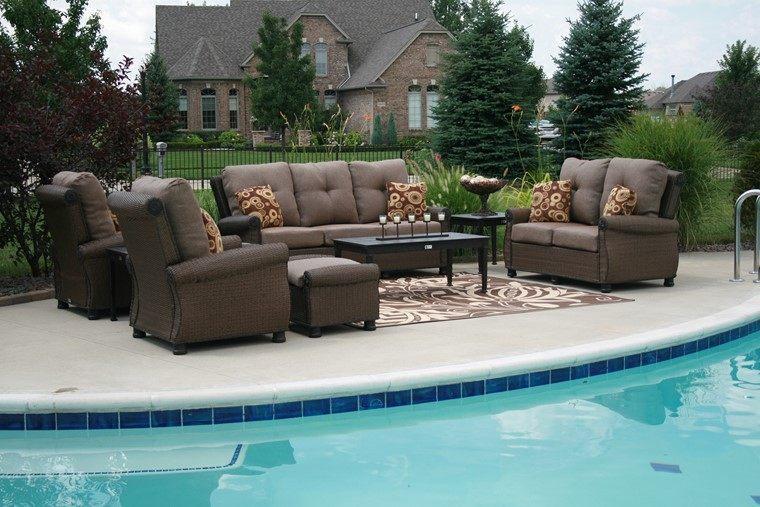 Piscinas: muebles perfectos para el espacio que las rodea