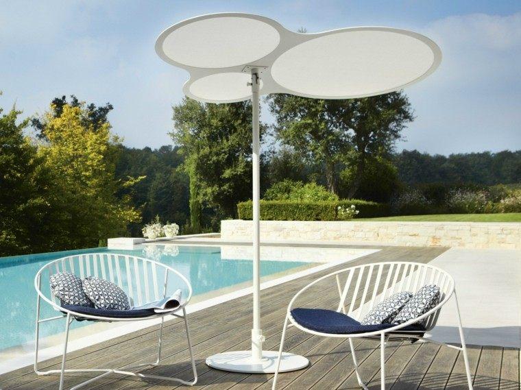 ideas-sombrilla-moderna-plastico-blanco-sillas-comoda