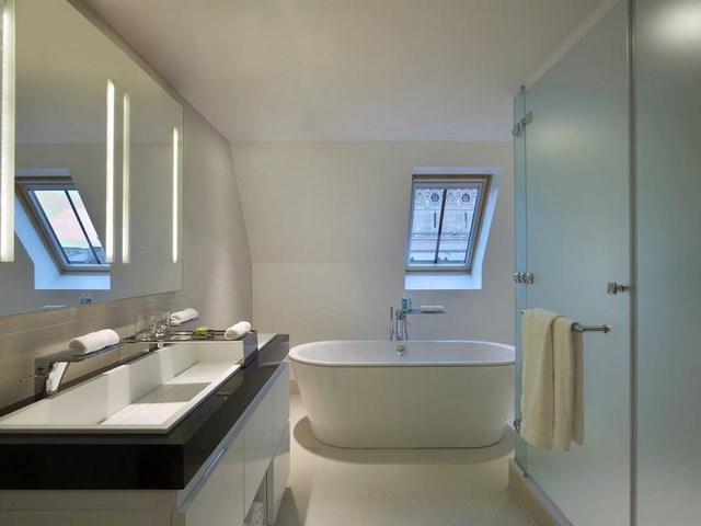 iluminacion led bañera lavabo ventanas