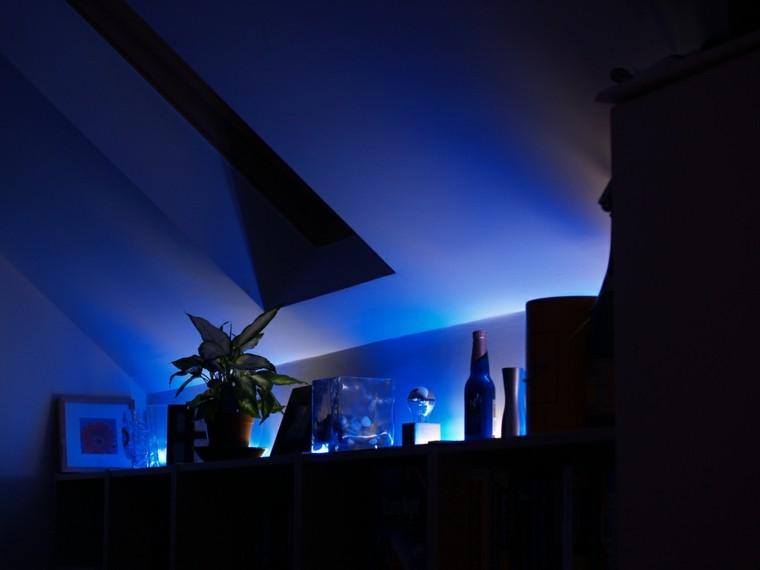 iluminación led focal maceta plantas azul