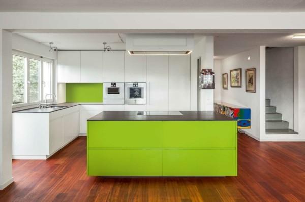 Cocinas con isla multifuncional para todos los estilos for Cocinas verdes modernas
