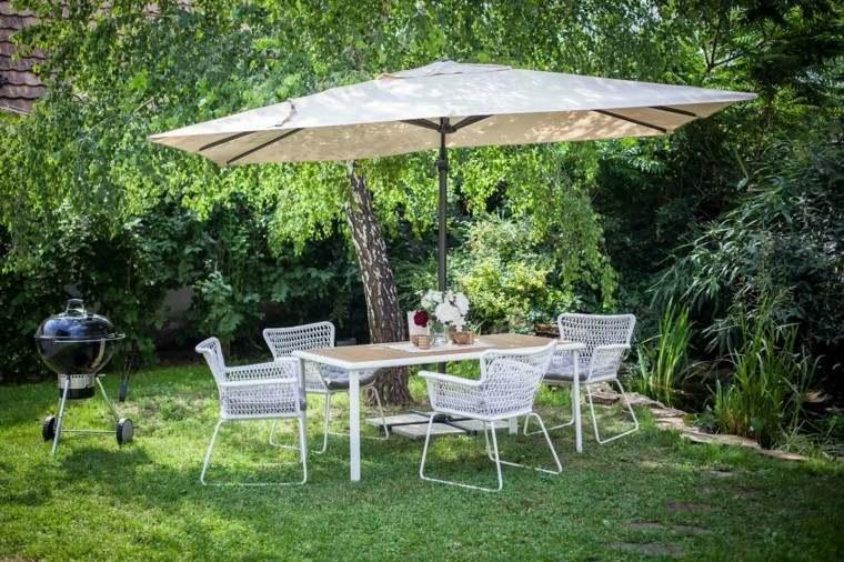 Sombrillas jard n para los d as soleados de verano for Sombrillas jardin carrefour