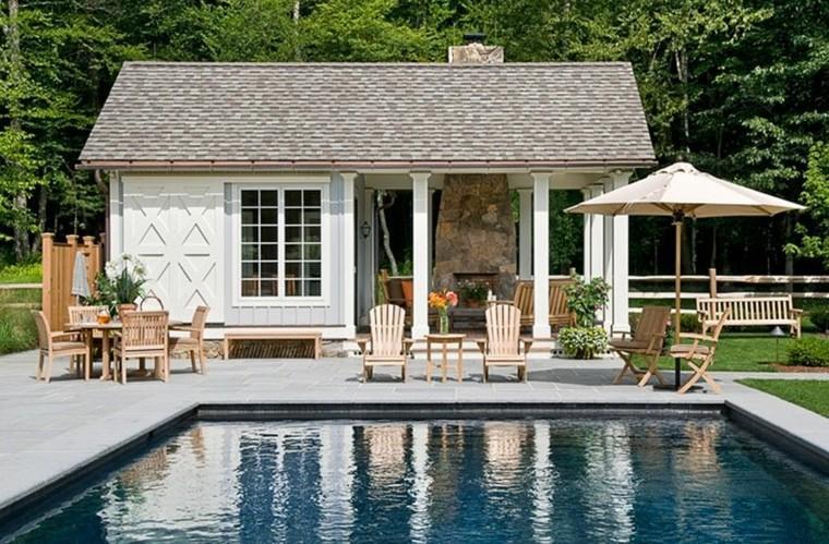 jardin casa piscina cuadrada grande