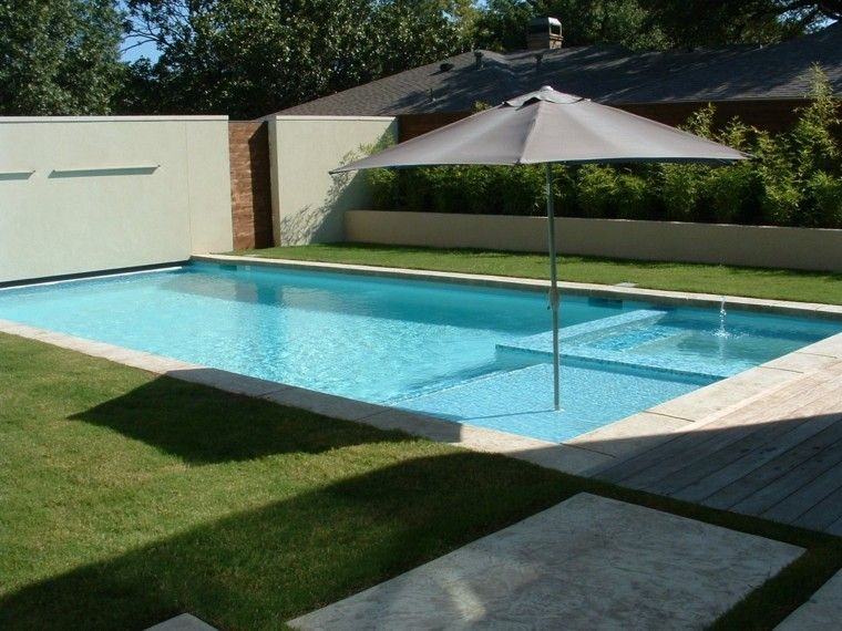 jardin contemporaneo sombrilla piscina ideas modernas