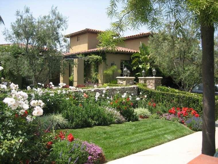jardin diseno estilo mediterraneo cesped ideas
