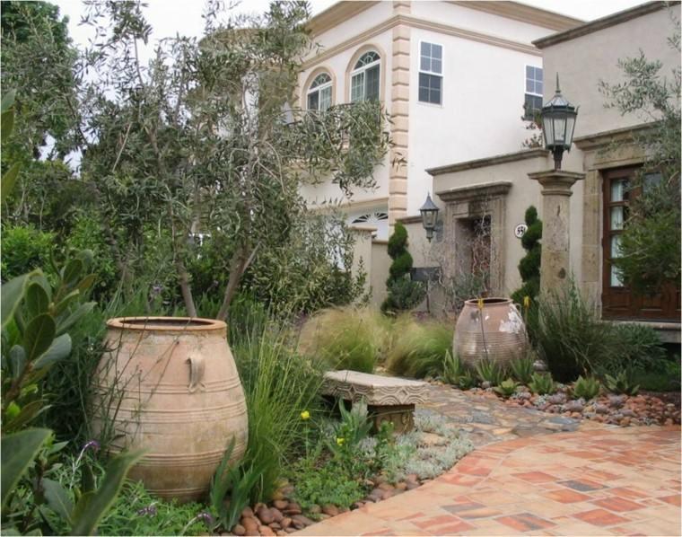 jardin-estilo-mediterraneo-banco-baldos-pulidos