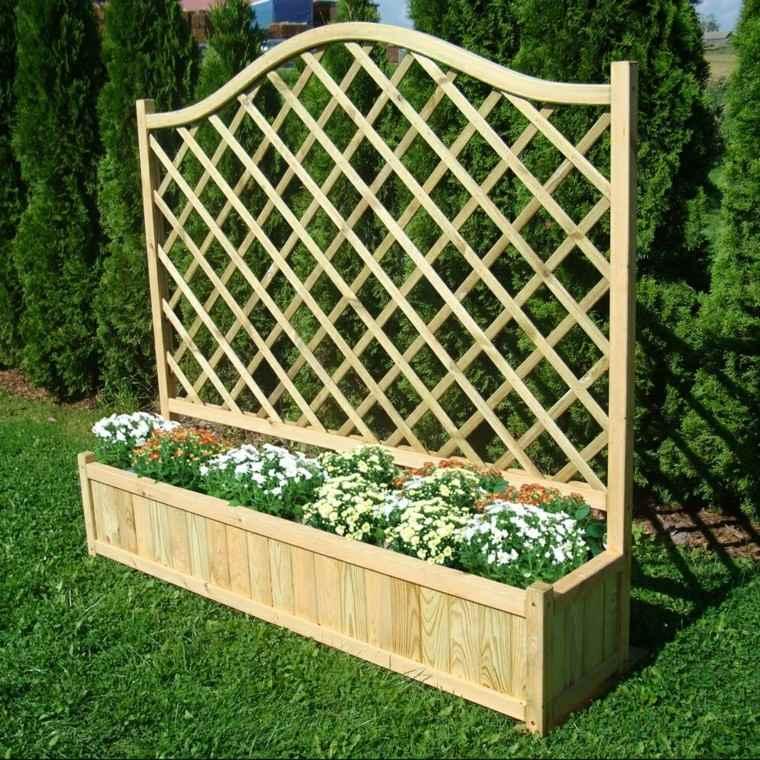 Estilo en el jard n con enrejados para plantas trepadoras for Rejas de madera